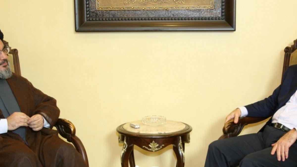 لقاء السيد نصر الله مع الوزير غازي العريضي 20-9-2010