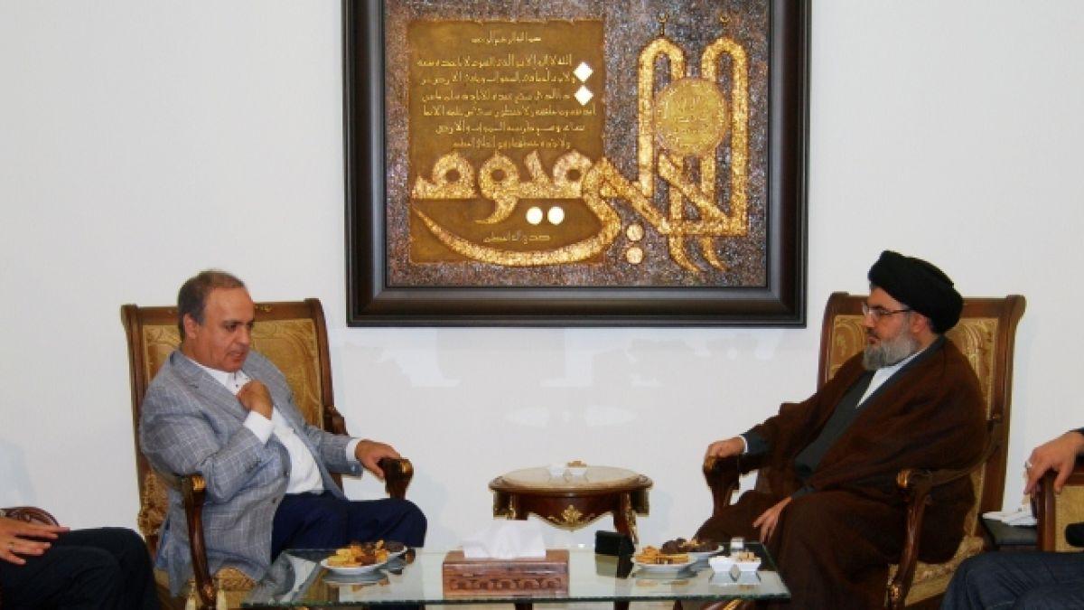 لقاء السيد نصر الله مع الوزير السابق وئام وهاب 30-7-2011