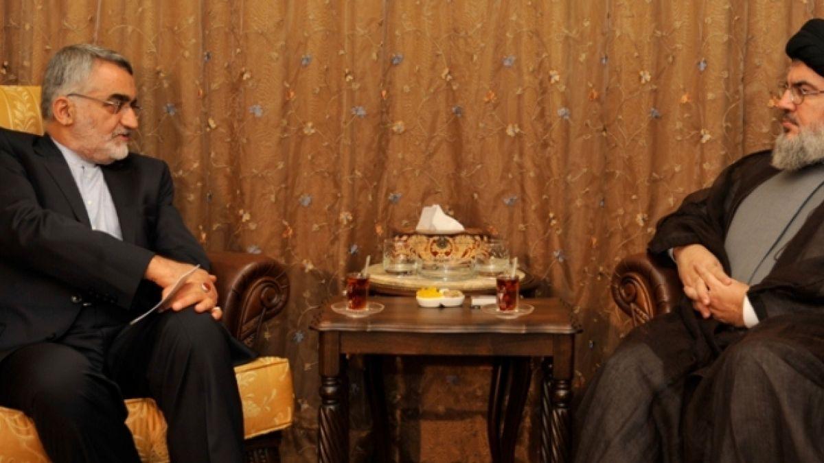 لقاء السيد نصر الله مع علاء الدين بروجردي 3-9-2013