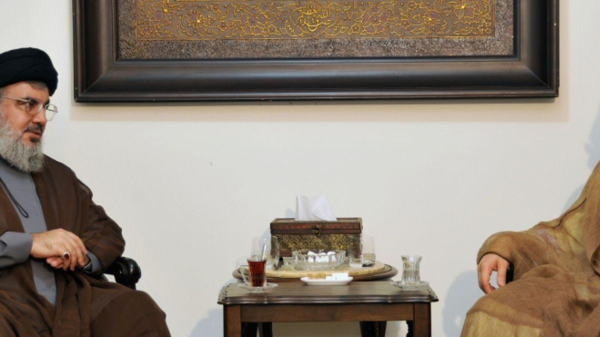 لقاء السيد نصر الله مع الشيخ محسن الآراكي  13-9-2013