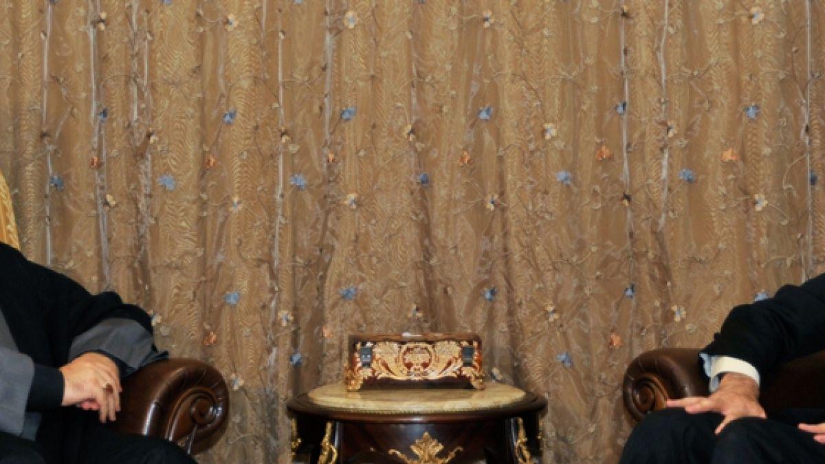 لقاء السيد نصر الله مع حسين أمير عبد اللهيان 21-11-2013