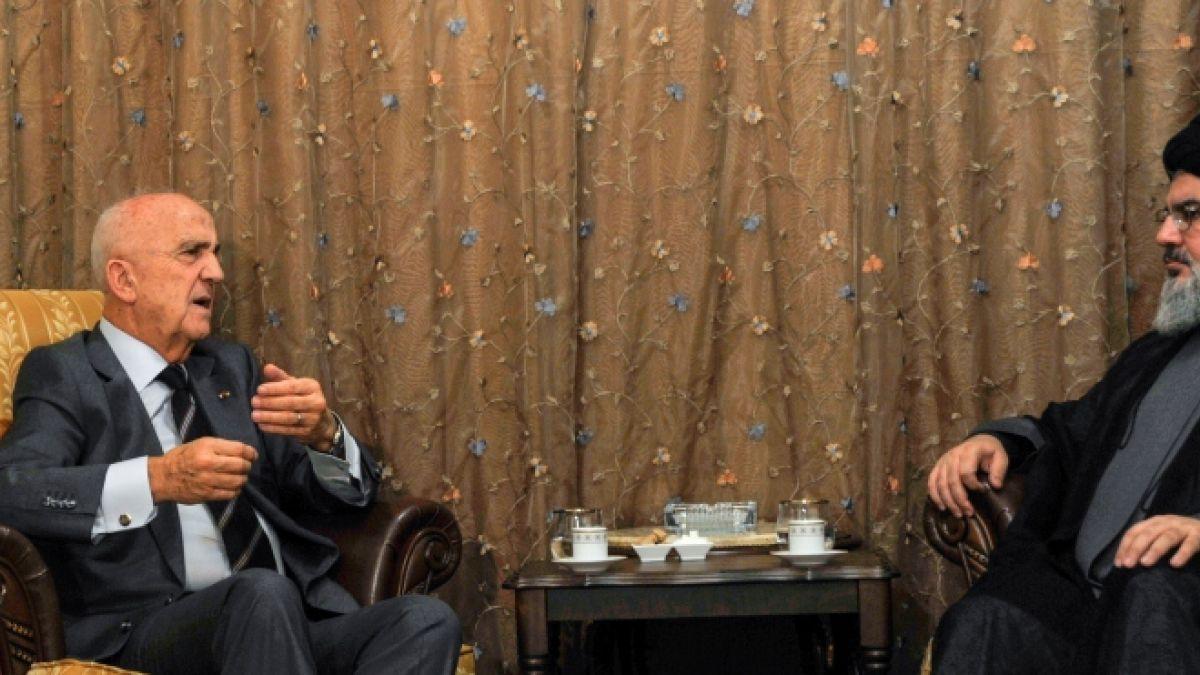 لقاء السيد نصر الله مع وزير الدفاع سمير مقبل 18-11-2014