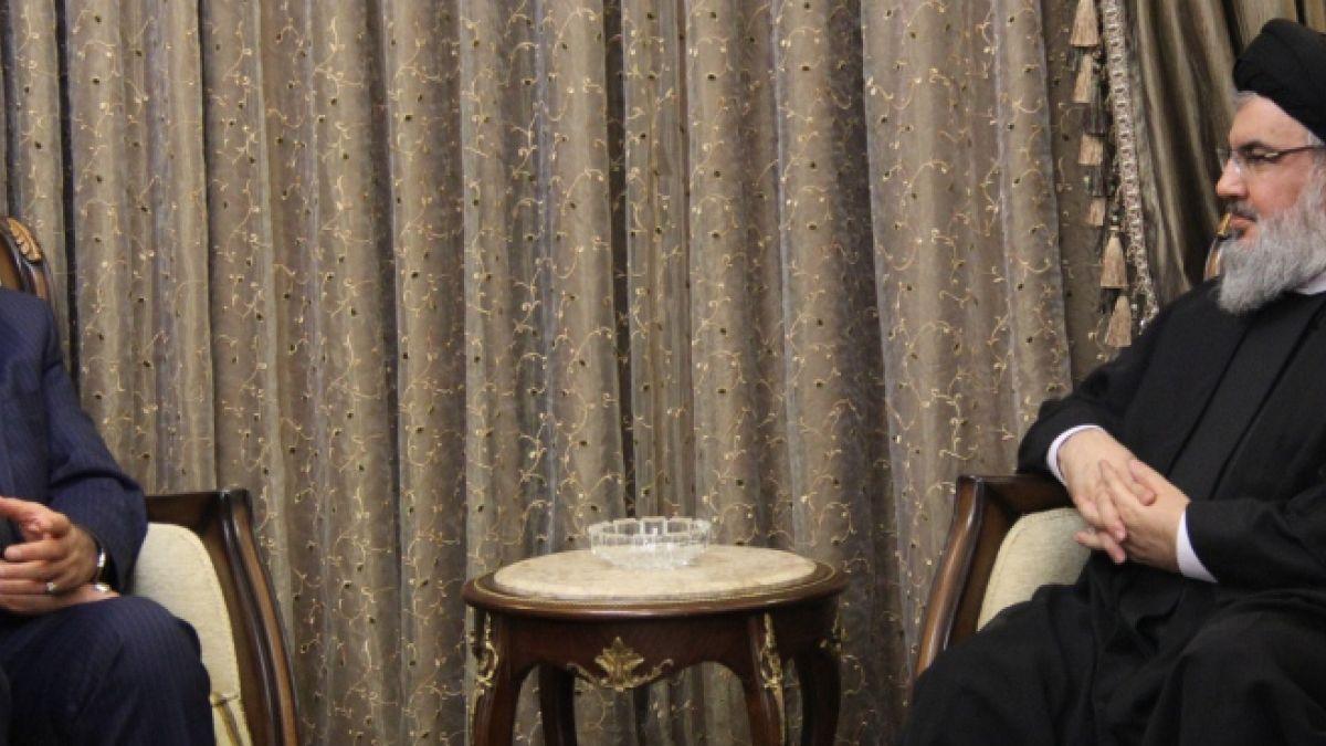 لقاء السيد حسن نصر الله مع السيد علاء الدين بروجردي 16-10-2015